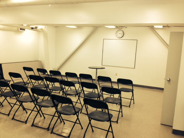 Large Meeting Room - Capacity: 30